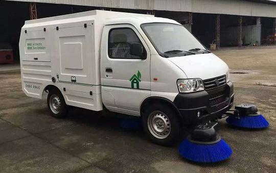 纯电动扫路车