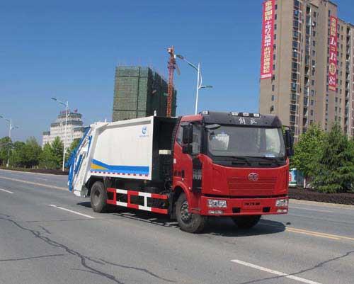解放J6型12方压缩式垃圾车
